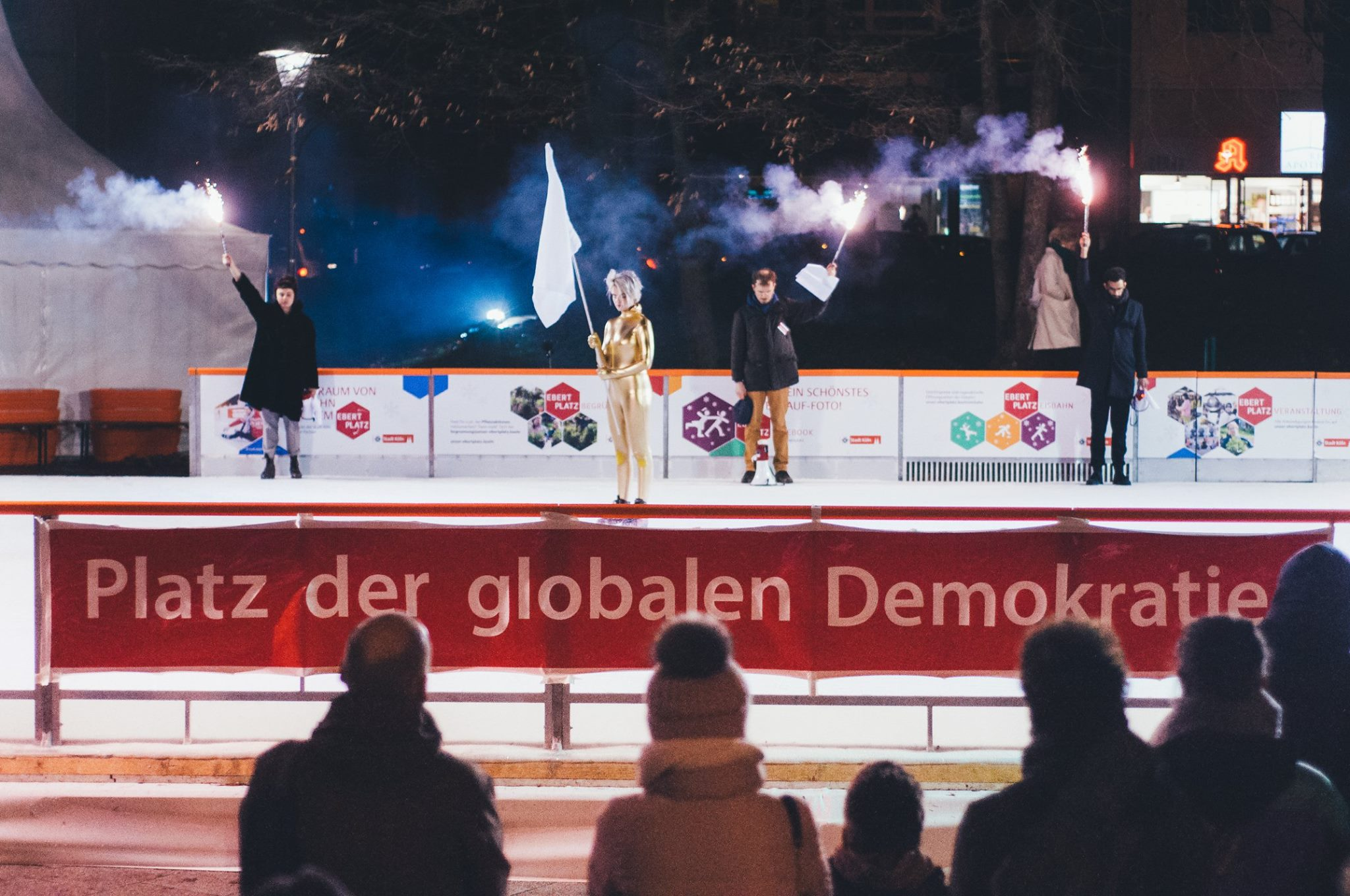 Platz der globalen Demokratie +++ 10.12.2018
